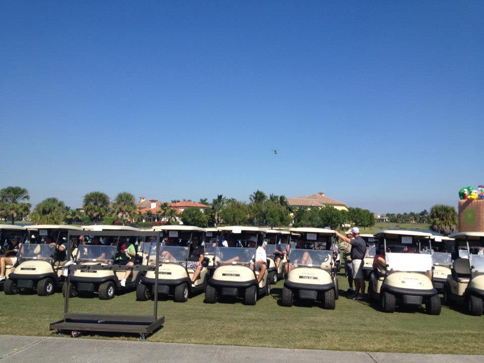 2012-healing-hearts-dinner-golf-tournament-carts