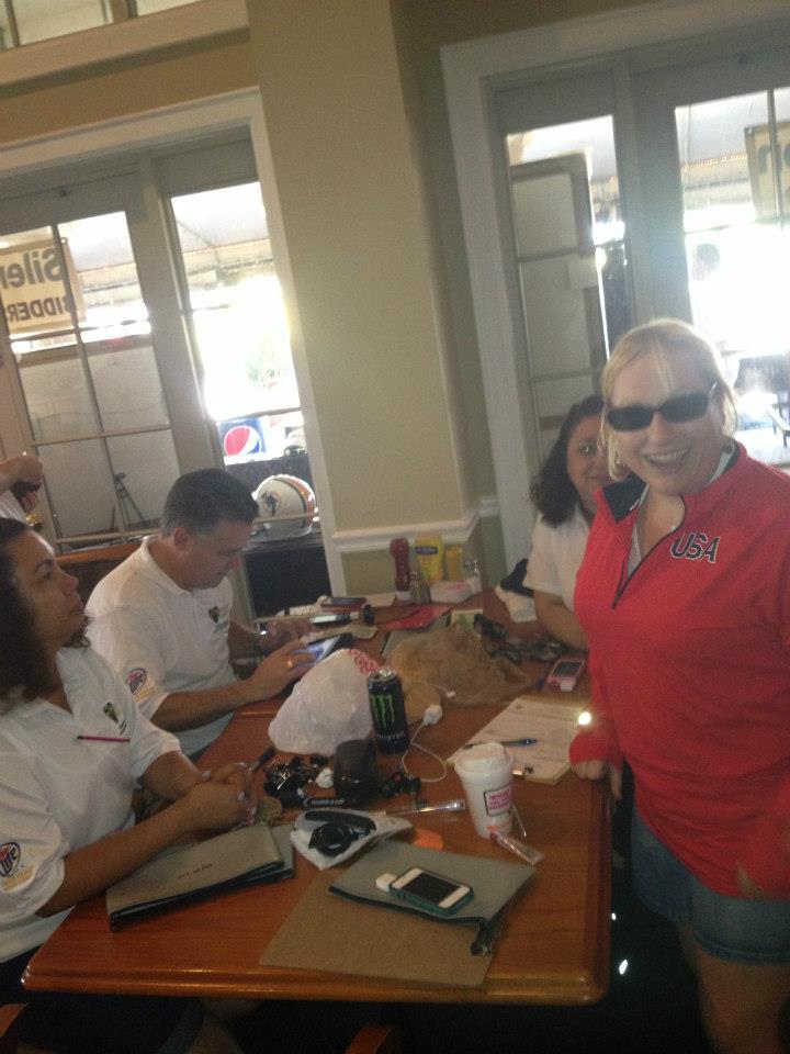 2012-healing-hearts-dinner-golf-tournament-cash-team-jenn-lisa-vince